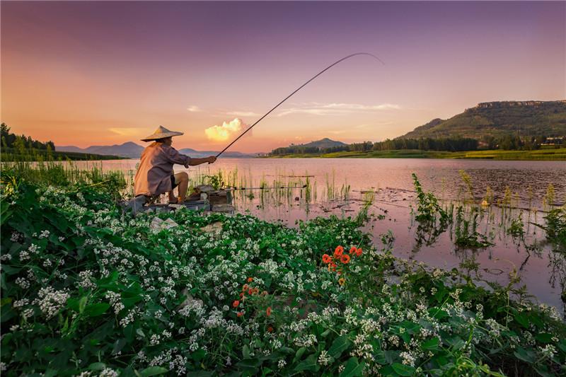 《渔夫》-王成坤.jpg