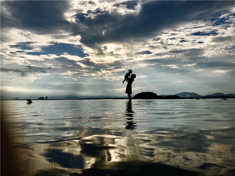 《水中爱》-夏军.JPG