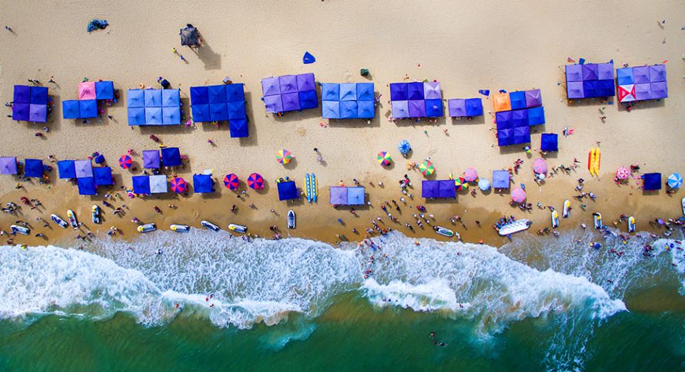 《海滩》缪华139207.jpg