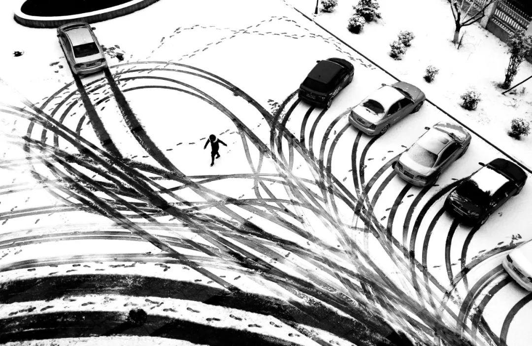 《雪痕》 蒋平 摄.jpg
