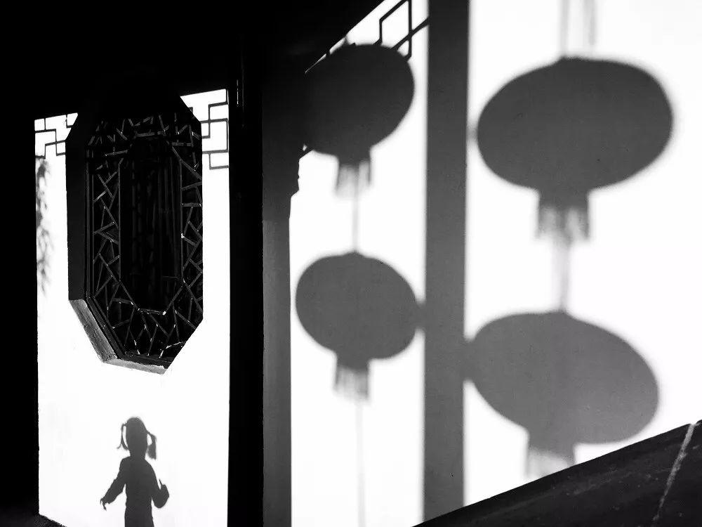 《古镇的影》 陈欣 183311.jpg