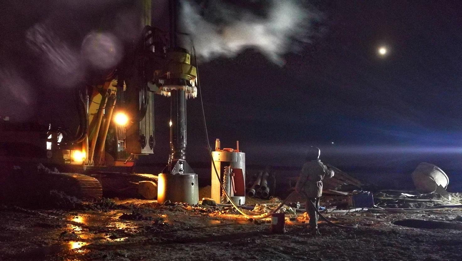 东北风的视界 中俄黑龙江大桥月夜施工图 207864.jpg