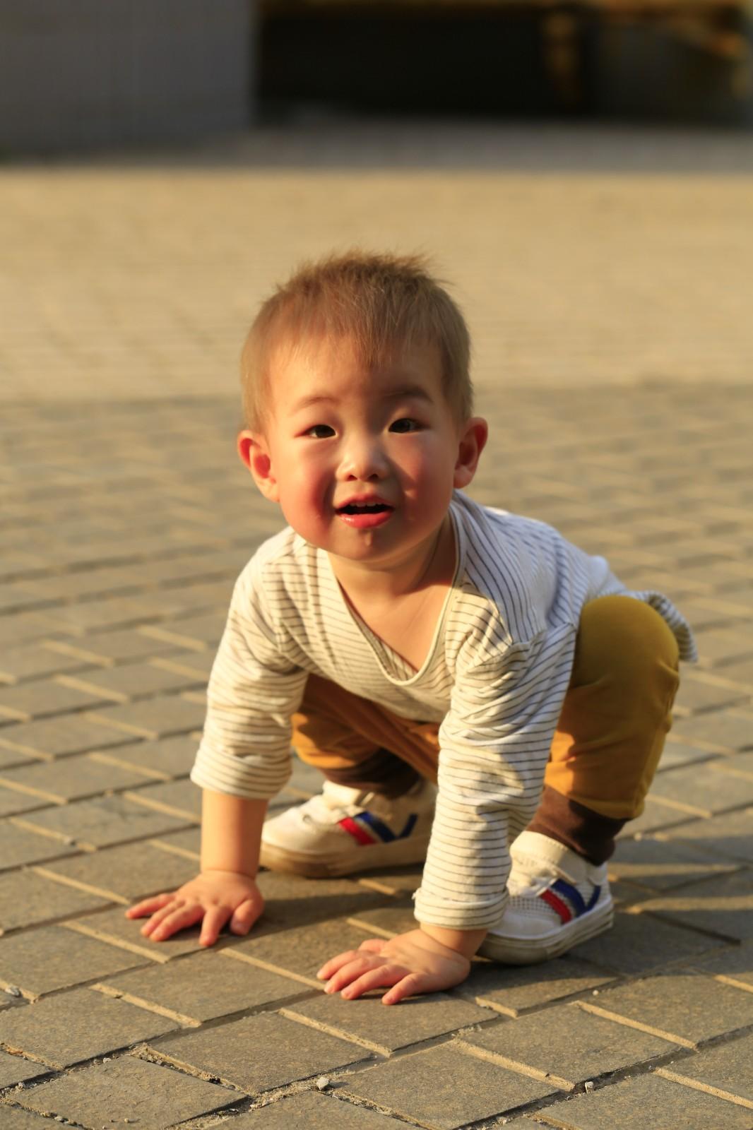 北京-Lucifer黄 《萌娃》 Canon.jpg