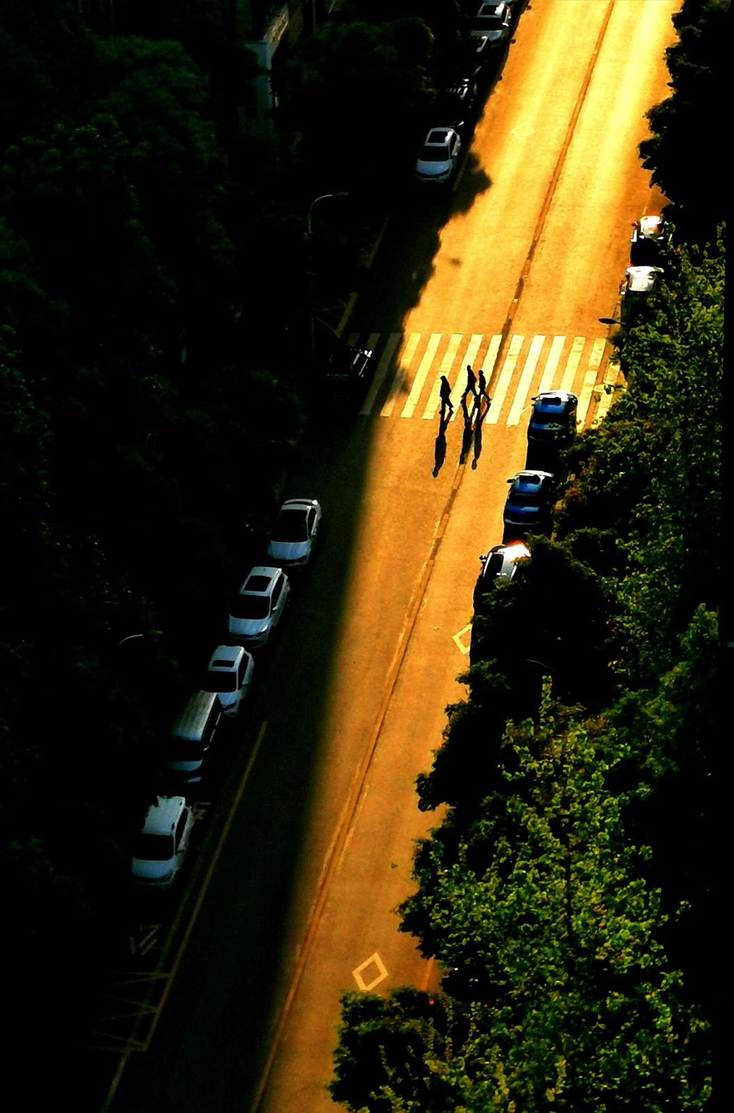 ⑨群 重庆-亚非拉 《一米阳光》 HUAWEI.jpg