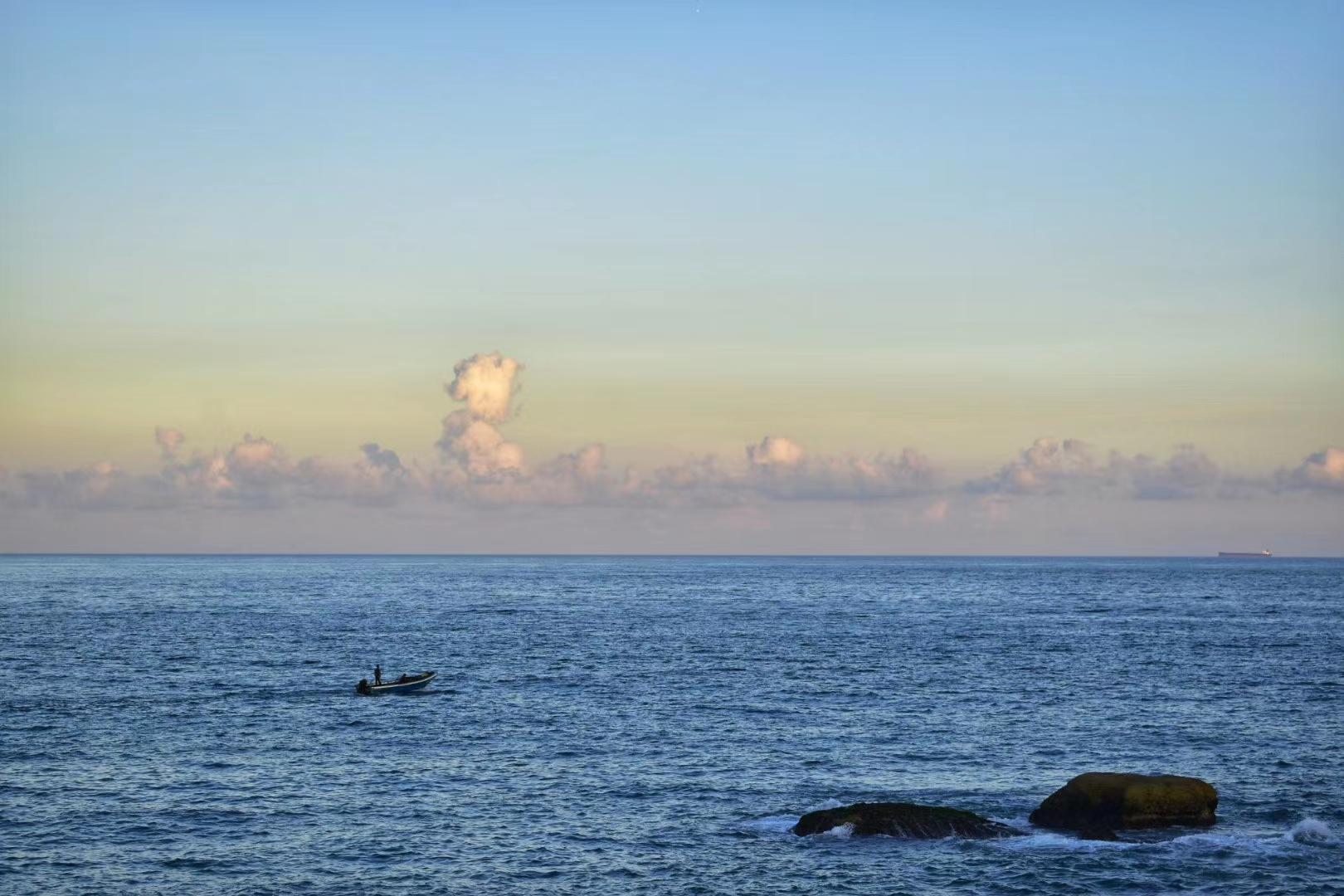 广东_Mr. 《红海湾》 Nikon.jpg