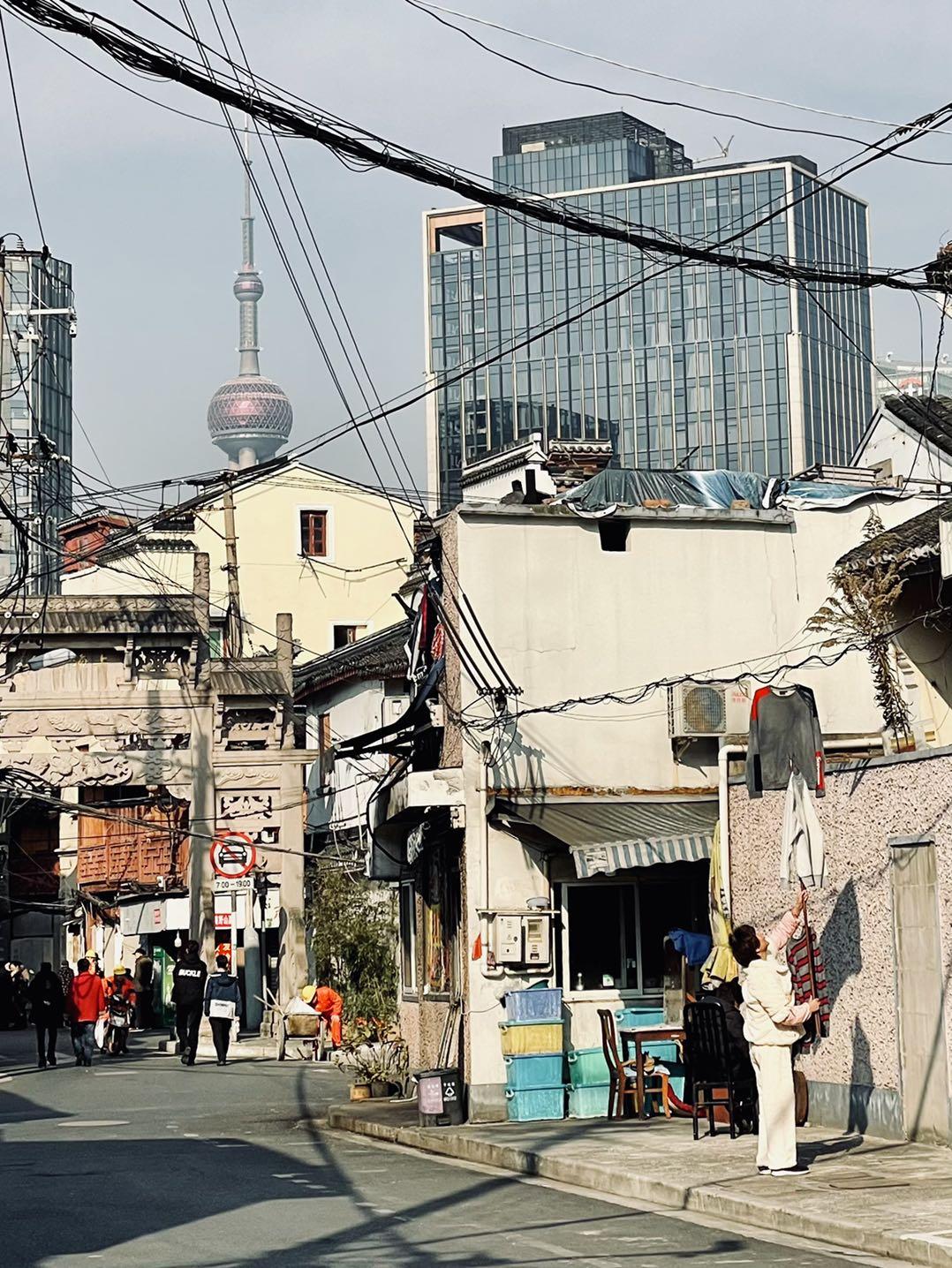《待迁》摄于上海.jpg
