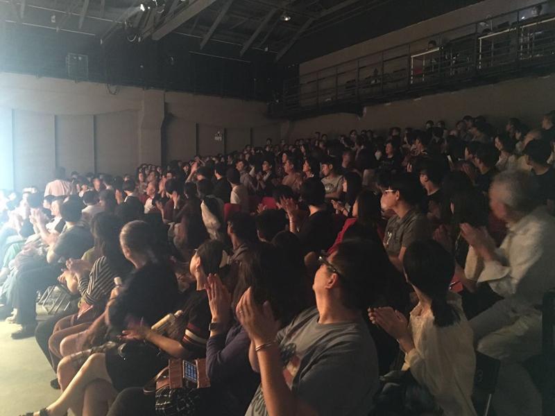 观众-800.jpg