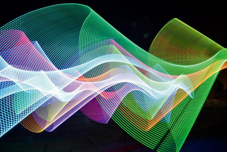 将LED大幅度抖动起来可以实现海浪效果