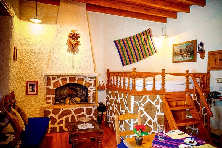 复刻18世纪罗德岛民居原貌,古代的床是要爬楼梯的  F3.5,1/100秒,ISO6400